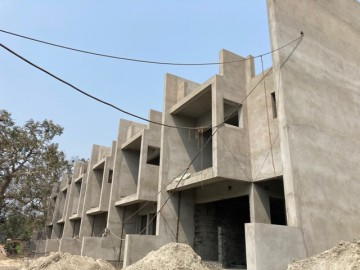 CLUSTER 26 (ROW HOUSE NO. 122-127): Foundation/Ground floor slab casting, 1st floor slab casting, Roof slab casting and Brick work of unit no. of 122,123,124,125,126 & 127 has been completed. Plasteri