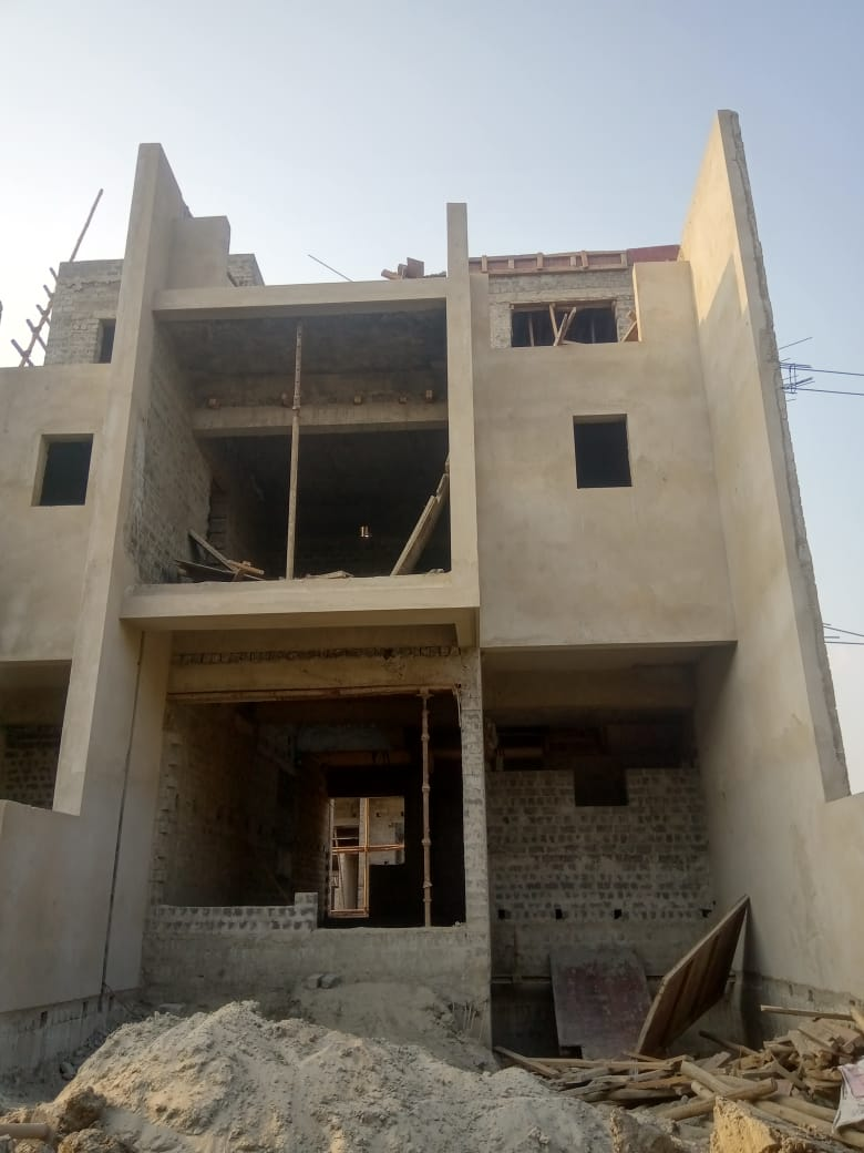 roof slab casting of row house no. 175 have been completed as on 01.05.2021