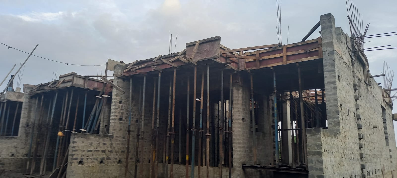 1st floor slab casting of row house no. 224 and 225 have been completed as on 19.08.2021
