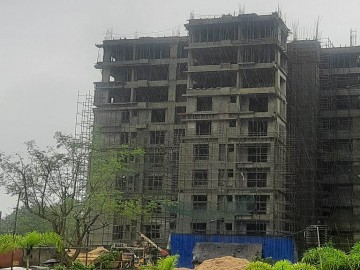 BLOCK- B; WING-1 :  8th floor lvl work is in progress . 4 thrd floor brick work has been completed.5th floor brick work in progress. 1st and 2nd floor plastering work has been completed. 9th floor roof slab had been completed as on 28.09.2021